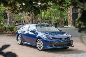 Giá xe ô tô hôm nay 11/10: Toyota Camry có giá 1,029-1,235 tỷ đồng
