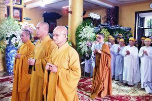 BTS Phật giáo Q.8 viếng tang HT.Thích Tịnh Giác