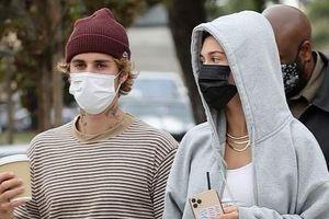 Vợ chồng Justin Bieber đi du lịch sau khi kỷ niệm một năm cưới