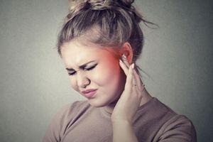 Hậu quả khi đeo tai nghe không đúng cách