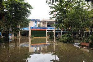 Đà Nẵng: Hàng chục trường học ngập nước, học sinh huyện Hòa Vang tiếp tục nghỉ học