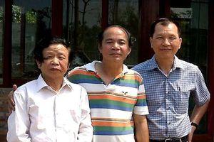 Nghề 'yểm trợ' của nhà văn Kinh Bắc