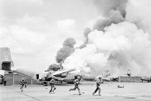 60 năm TTXGP: Những bức ảnh kinh điển ra đời trong lửa đạn