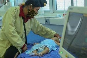 Vụ bé gái 2 tháng tuổi tử vong sau khi tiêm vắc xin ở Sơn La: 4 trẻ nhỏ khác cũng phải nhập viện, đang được theo dõi