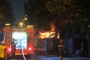 Kịp thời khống chế đám cháy tại kho xưởng ở Thanh Trì