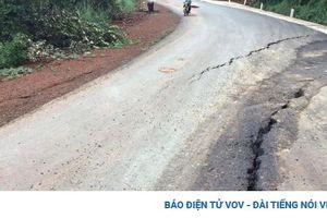 Mưa lớn gây sụt lún, nứt tuyến đường huyết mạch nối Bình Phước-Lâm Đồng
