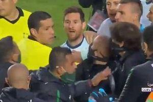 Messi to tiếng với HLV đối thủ sau trận thắng