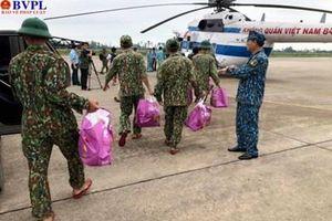 Trực thăng xuất phát cứu hộ nạn nhân tại thủy điện Rào Trăng 3