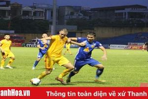 Ngược dòng ngoạn mục trước Quảng Nam, Thanh Hóa chính thức trụ hạng trước 3 vòng đấu