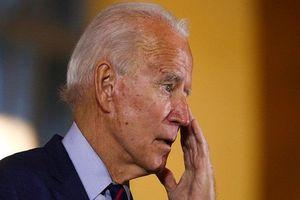 Trong phút ngẫu hứng, ông Biden bất chợt 'lỡ lời' khi nói cử tri không cần bỏ phiếu cho mình