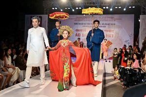 Tái hiện sự thay đổi của chiếc áo dài truyền thống Việt Nam qua từng thời kỳ
