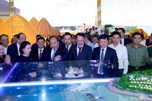Thủ tướng dự lễ khởi công công trình chào mừng Đại hội Đảng bộ tỉnh Nghệ An
