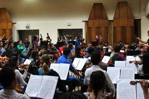 Nữ giới khai phá 'địa hạt' chỉ huy dàn nhạc