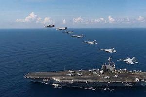Tàu sân bay USS Ronald Reagan tập trận tác chiến trên Biển Đông