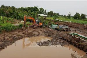 Triều cường dâng cao bất ngờ gây nhiều thiệt hại tại huyện đảo Cù Lao Dung