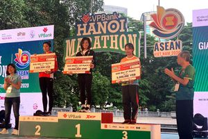 Tuyển điền kinh quốc gia giành giải Nhất giải chạy VPBank Marathon ASEAN 2020