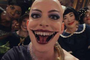 Tạo hình phù thủy đầu trọc của Anne Hathaway