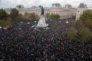 Toàn cảnh biểu tình bùng nổ ở Pháp sau vụ thầy giáo bị giết