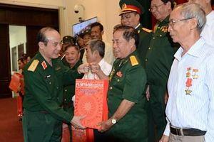 Bộ Quốc phòng gặp mặt Đoàn đại biểu người có công tỉnh Tiền Giang và Đồng Nai