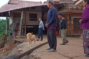 Quảng Bình: Núi Ba Cồn bị sạt lở vùi lấp nhà, hàng trăm người dân tháo chạy trong đêm