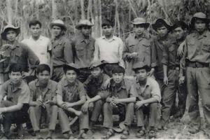 Ký ức bộ quân phục và đường tới vinh quang