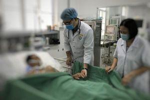 Kích hoạt báo động đỏ, cứu sống bác sĩ ngừng tim 90 phút