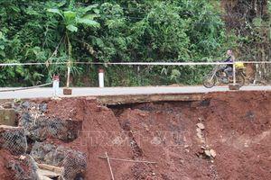 Nhiều điểm sạt lở mới trên tuyến đường độc đạo nối tỉnh Bình Phước và Lâm Đồng