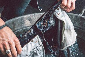 Victoria Beckham và CEO hãng Levi's không giặt quần jeans
