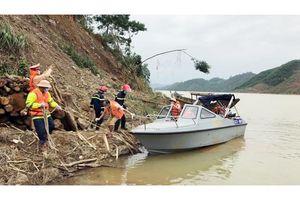 Khẩn trương giúp người dân ổn định đời sống và sản xuất sau mưa lũ