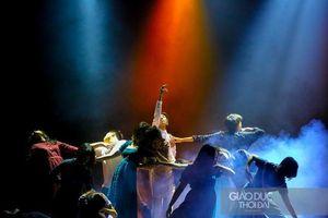 Mãn nhãn buổi nhạc kịch được đầu tư công phu của học sinh Hà Nội- Amsterdam