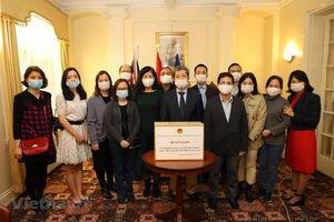Đại sứ quán Việt Nam tại Anh, Nam Phi quyên góp ủng hộ đồng bào miền Trung