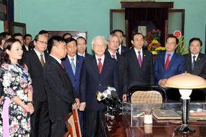 Học tập tấm gương làm việc trách nhiệm, khoa học, đổi mới của Chủ tịch Hồ Chí Minh