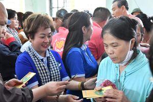 Quỹ từ thiện Hành Trình Xanh và NCB chung tay cùng miền Trung vượt khó khăn