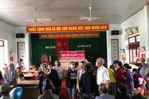 Cứu trợ đồng bào các tỉnh miền Trung, hỗ trợ mổ mắt