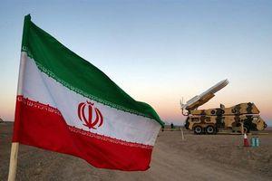 Mỹ dọa phá hủy tên lửa Iran nếu hợp tác Venezuela