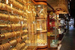 Hoa mắt những khu chợ trời bán vàng, đá quý la liệt như rau