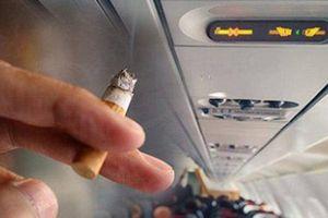 Nam hành khách 'dính' phạt nặng vì thèm thuốc lá
