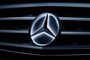 Mercedes-Benz triệu hồi hàng nghìn xe do logo tự phát sáng