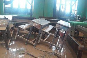Nhiều địa phương tiếp tục cho học sinh nghỉ học chống bão