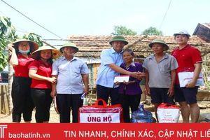 Công đoàn - Đoàn Thanh niên Agribank Hà Tĩnh hỗ trợ 150 triệu đồng giúp đồng bào lũ lụt