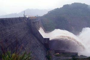 Quảng Nam: Cảnh báo lũ lên nhanh, các hồ thủy điện bắt đầu cắt giảm lũ