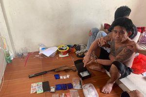 Cặp đôi bố - con chuyên buôn ma túy, tàng trữ súng tự chế