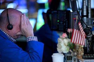 Nhà đầu tư sốc, DowJones mất hơn 900 điểm