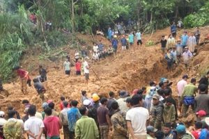 Sạt lở đất kinh hoàng ở Quảng Nam và những tin tức khác