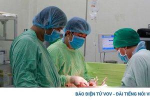 Phẫu thuật thành công cho bệnh nhân nữ có u xơ tử cung nặng 4kg