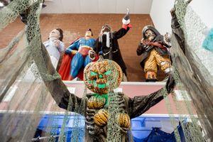 Trang phục Halloween hình giấy vệ sinh, virus corona bán chạy tại Mỹ