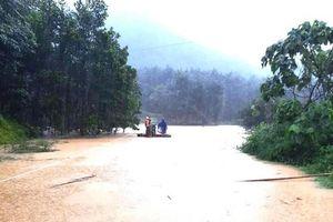 Toàn cảnh mưa lũ gây ngập nặng ở Nghệ An