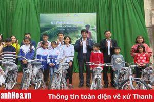 Viettel trao 50 xe đạp cho học sinh nghèo ở Bá Thước