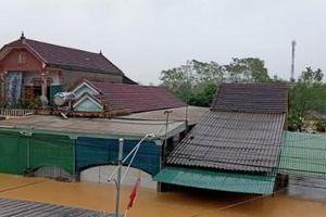 Nghệ An: 900 căn nhà ở Thanh Chương bị ngập, nhiều tuyến đường bị chia sắt