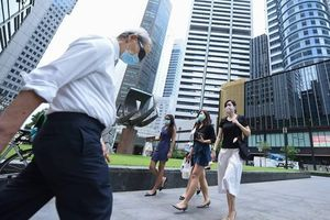 Chứng khoán Singapore tệ nhất khu vực châu Á